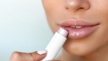 Особенности регулярного ухода за губами