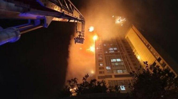 В городе Ульсан в Южной Корее загорелся 33-этажный дом 1