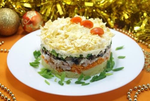 Слоёный салат «Новогоднее желание» 1