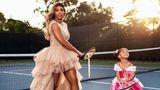 Серена Уильямс показала фанатам милые фото с дочкой в пышных платьях на корте 1
