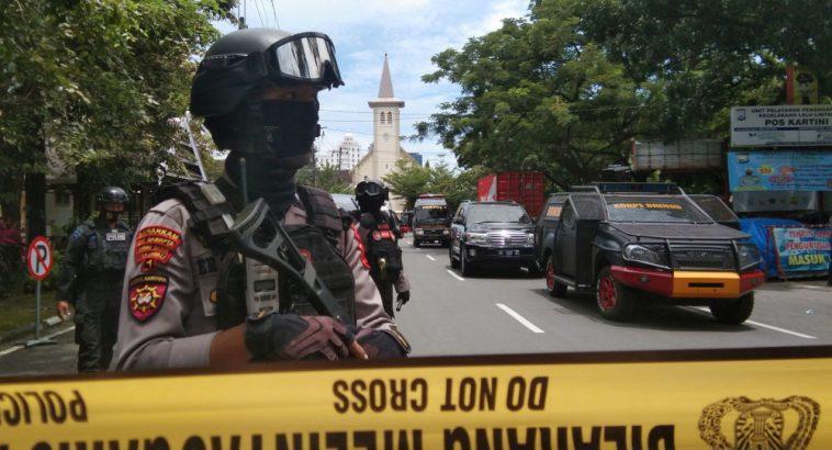 Террорист-смертник подорвал себя у католического собора в Индонезии 1