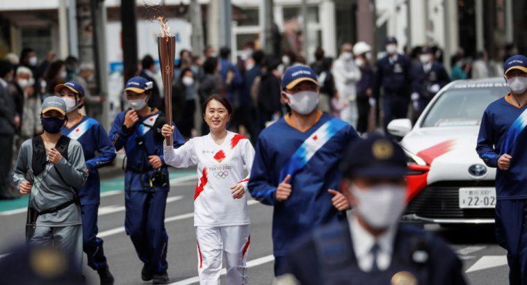 Япония хочет сократить число официальных гостей Олимпиады 1