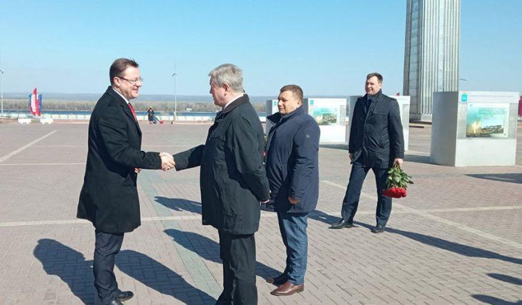 Беларусь будет сотрудничать с Самарской областью в IT, автомобилестроении, АПК 1