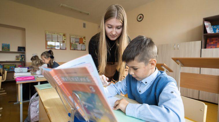 Молодые педагоги отработали первую неделю в сельской школе. И вот их впечатления 1